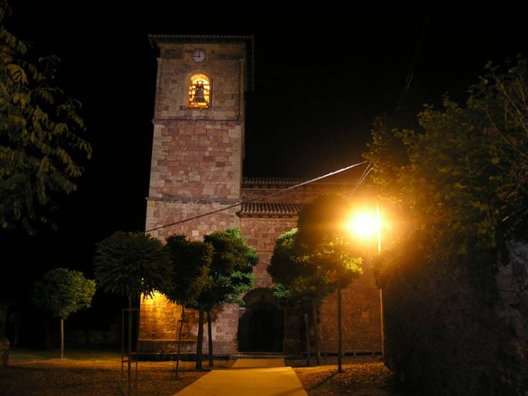2. Iglesia De Noche